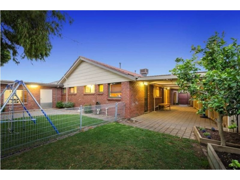 9 Leathers Court, Altona Meadows VIC 3028