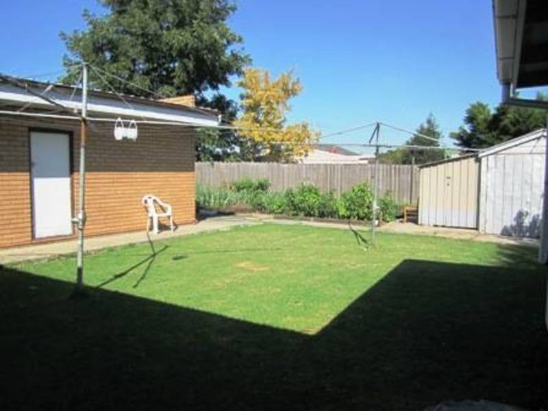 2/22 Stapley Cres, Altona North VIC 3025