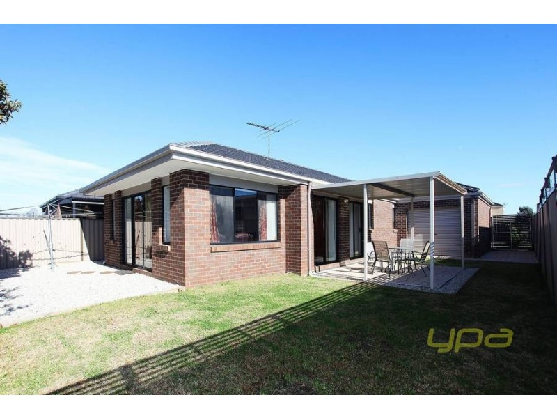 33 Cunningham Chase, Burnside Heights VIC 3023