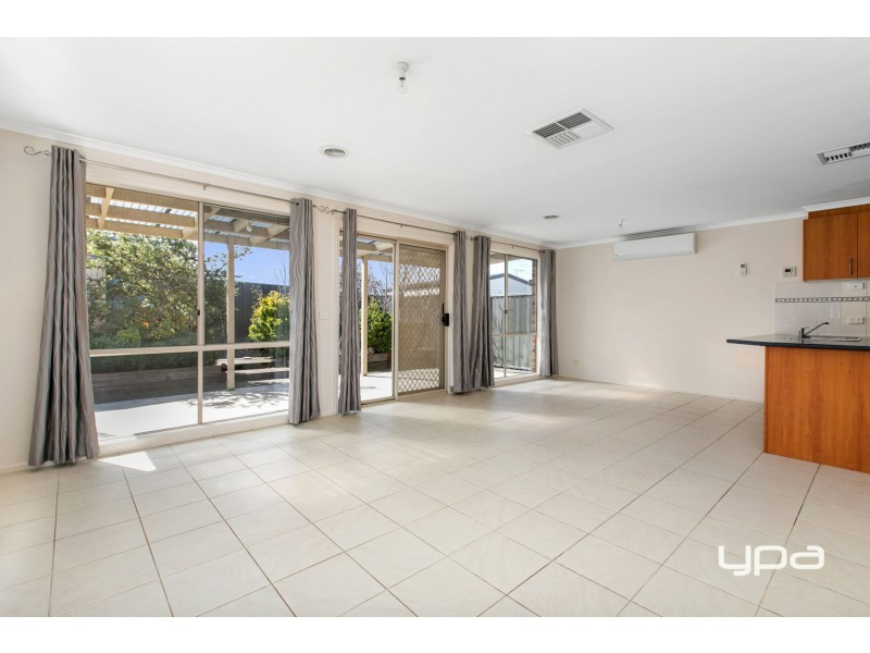 54 Klippel Way, Caroline Springs VIC 3023