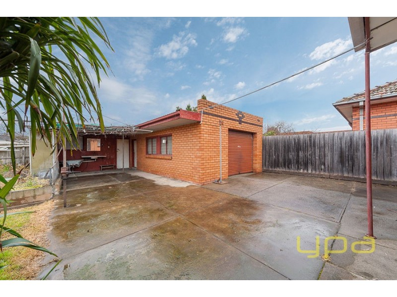 33 Queens Parade, Fawkner VIC 3060