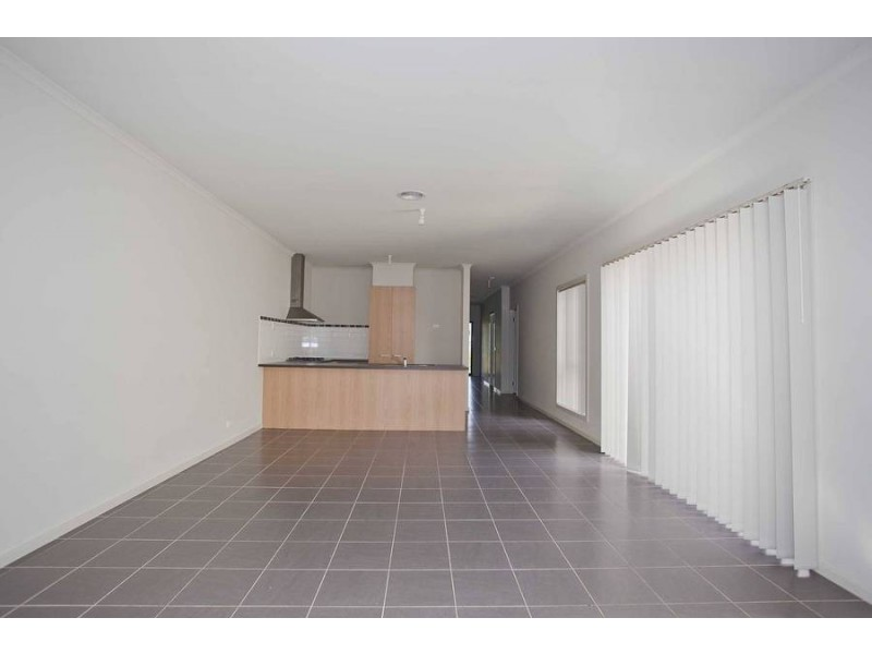 9 Yorkshire Terrace, Craigieburn VIC 3064