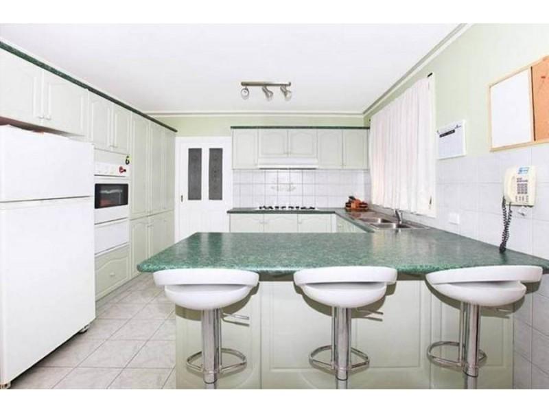 8 Foxton Place, Roxburgh Park VIC 3064