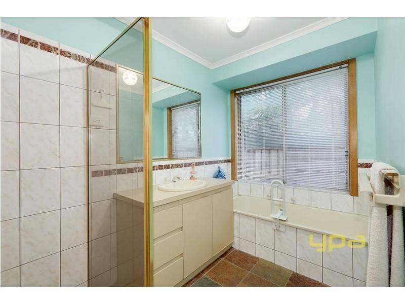 15 Lomond Court, Werribee VIC 3030