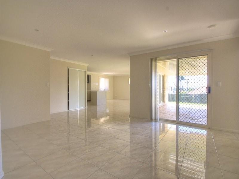 7 Sulzberger Court, Flinders View QLD 4305