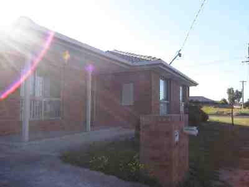 1/37 Newham Way, Altona Meadows VIC 3028