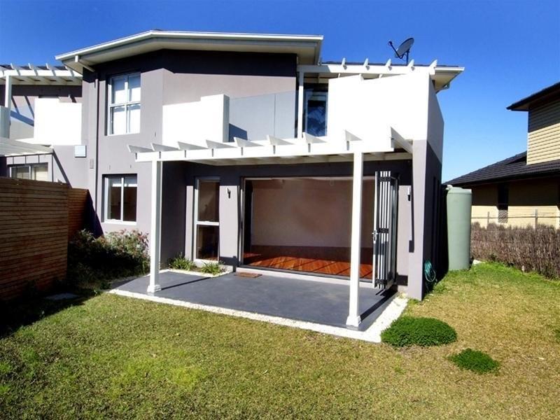 100 Macquarie Street, Chifley NSW 2036