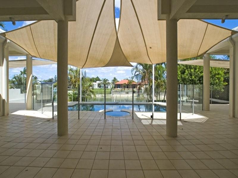 31 Beverley Court, Broadbeach Waters QLD 4218