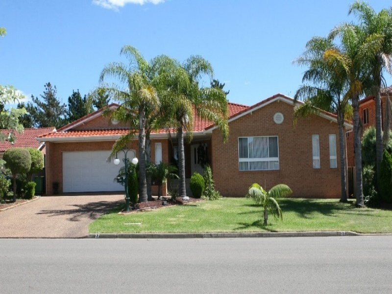 27 Darling St, Abbotsbury NSW 2176