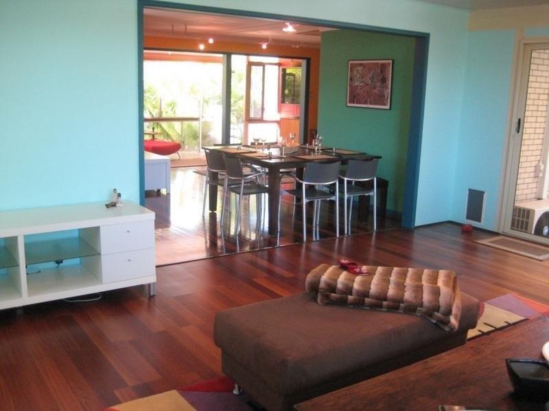 19 Boongala Road, Broadbeach Waters QLD 4218