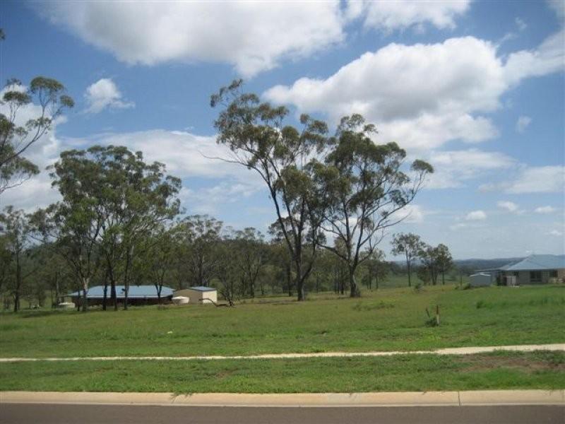98 Peters Road, Meringandan QLD 4352