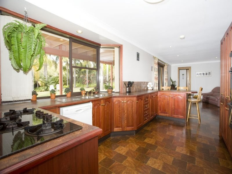 17 Turpentine Cl, Alfords Point NSW 2234