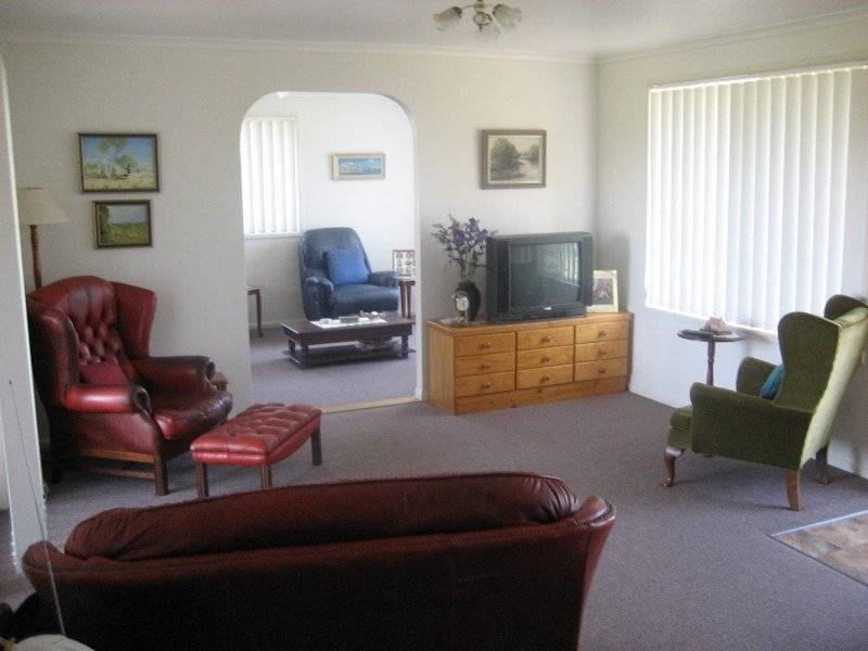 15 Magnolia Crt, Abbotsford QLD 4670