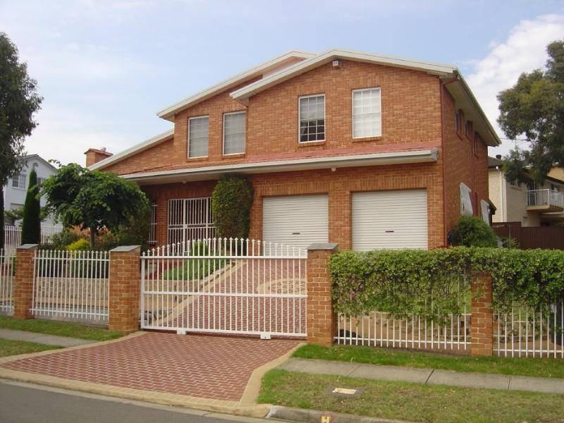 43 Driscoll St, Abbotsbury NSW 2176