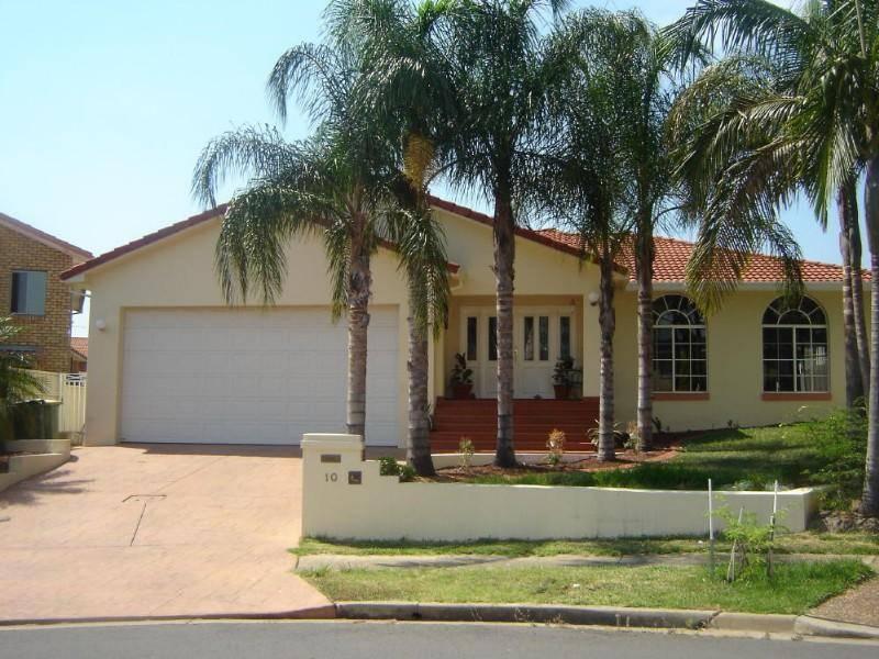 10 Rhys Pl, Abbotsbury NSW 2176