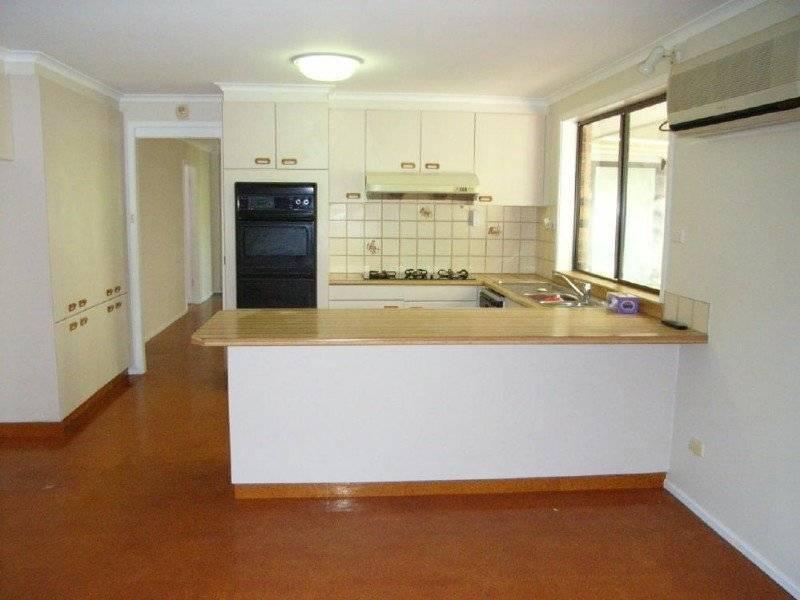 10 Topaz Place, Abbotsbury NSW 2176