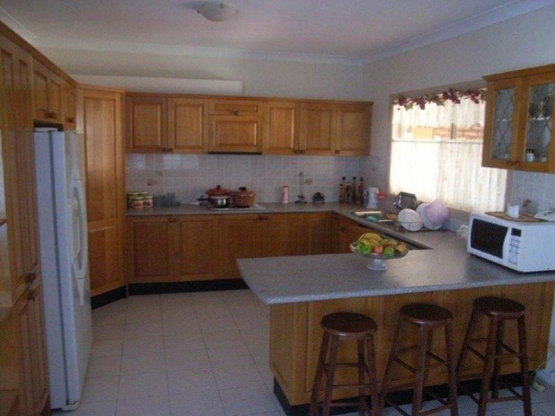 90 Stockdale Cres, Abbotsbury NSW 2176