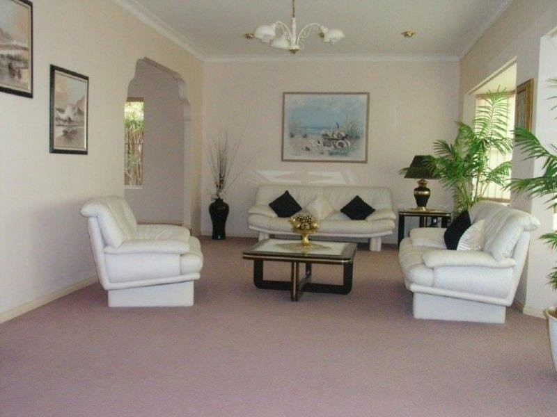 Level  9 Glenton St, Abbotsbury NSW 2176