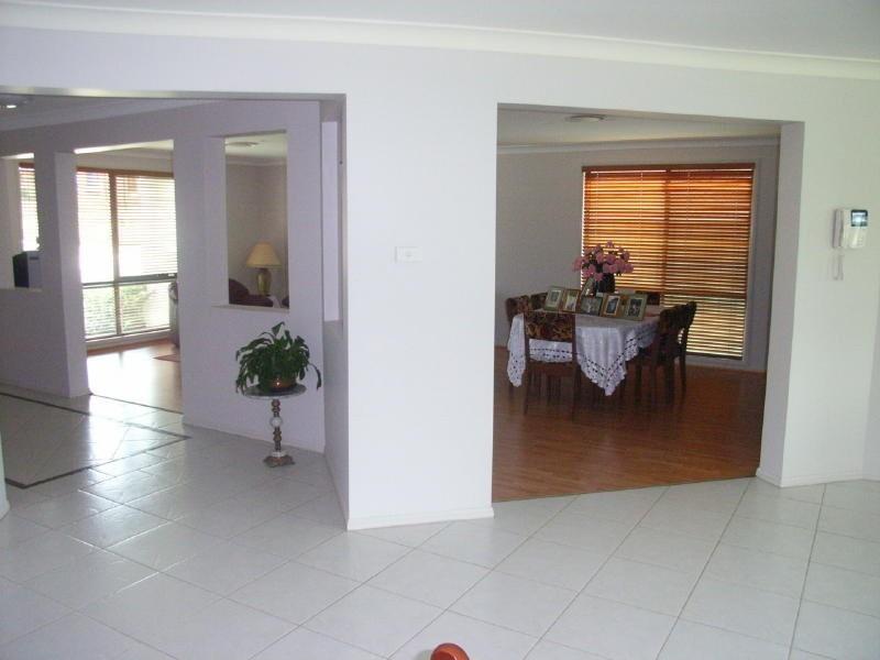 33 Rafter Cresent, Abbotsbury NSW 2176