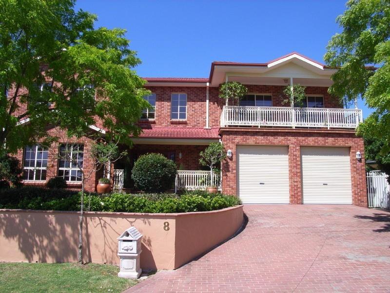 8 Comin Place, Abbotsbury NSW 2176