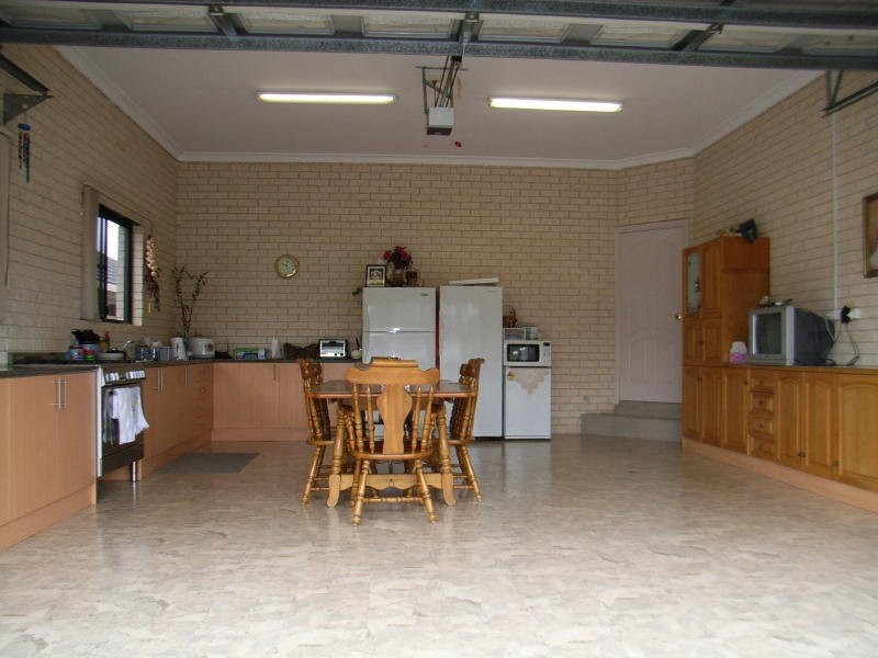 42 Dalbertis Street, Abbotsbury NSW 2176