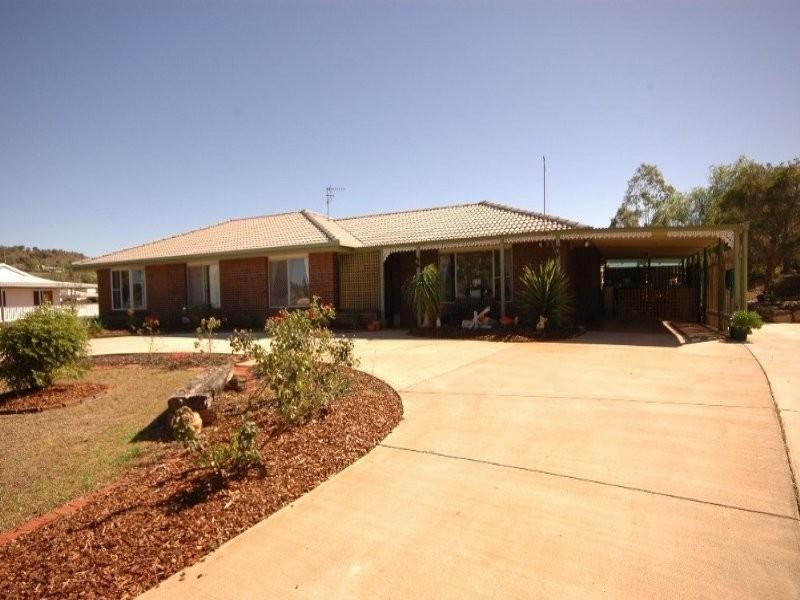 13 Peters Rd, Meringandan QLD 4352