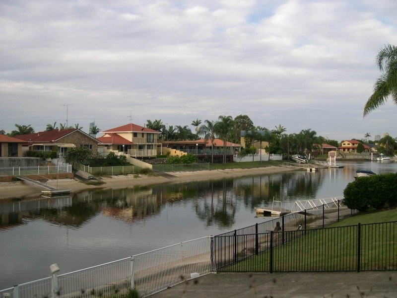 15 Cypress Drive West, Broadbeach Waters QLD 4218