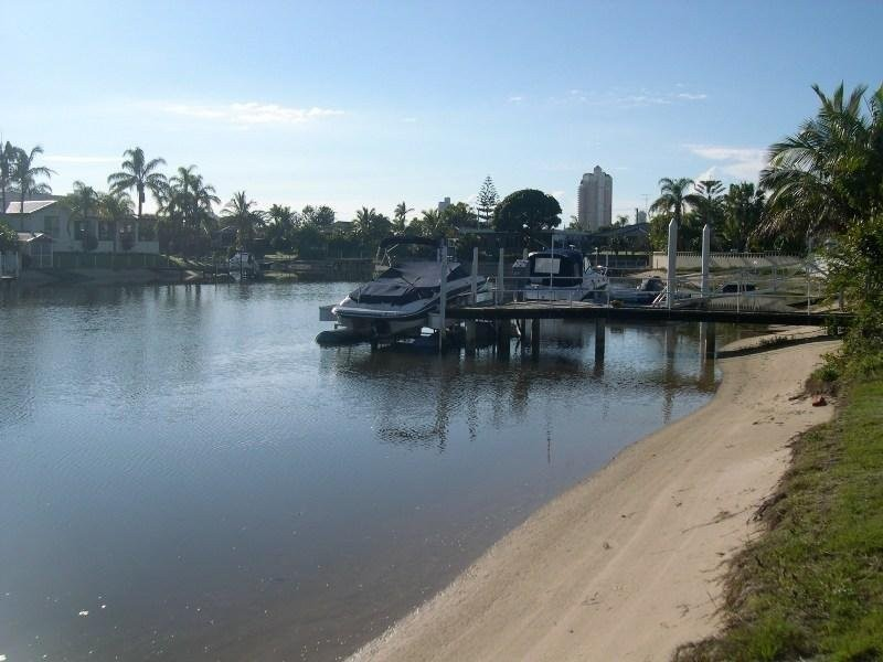 89 T E Peters Drive, Broadbeach Waters QLD 4218
