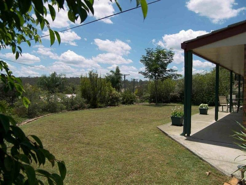 4 Lakeside Court, Allenview QLD 4285