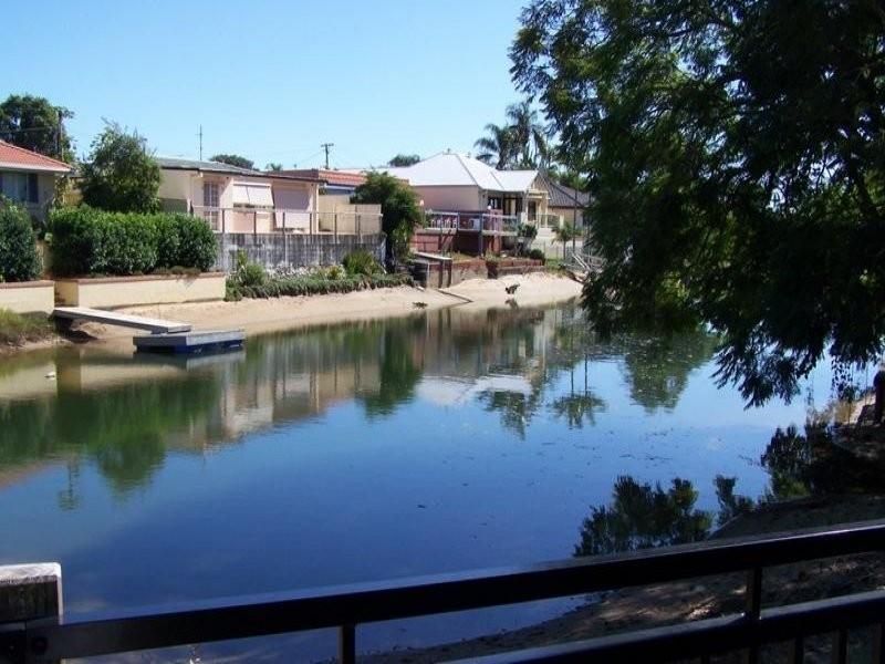 33 Merrimac Boulevard, Broadbeach Waters QLD 4218