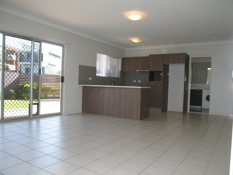 2/16 Trackson Street, Alderley QLD 4051