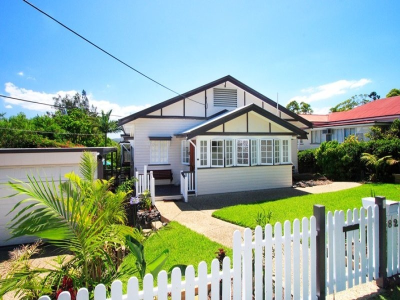 82 Banks Street, Alderley QLD 4051