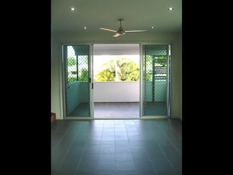 4/5 Camborne, Alderley QLD 4051