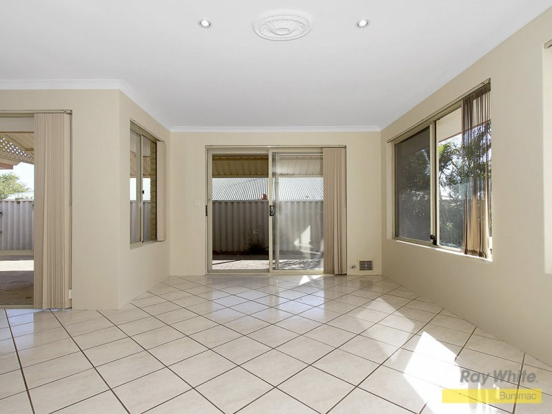 19 Friendly Way, Marangaroo WA 6064