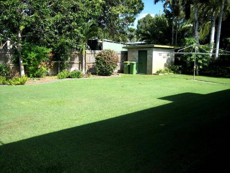 8 Kenilworth Ave, Hyde Park QLD 4812
