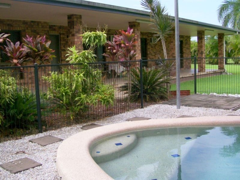 7 La Rocca Close, Etty Bay QLD 4858