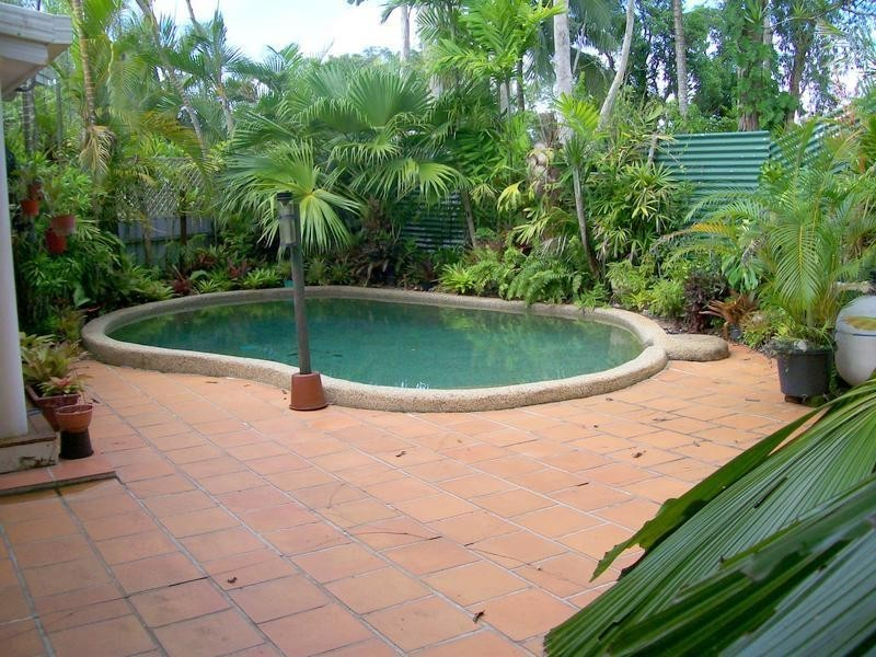 1 Maria Street, Flying Fish Point QLD 4860