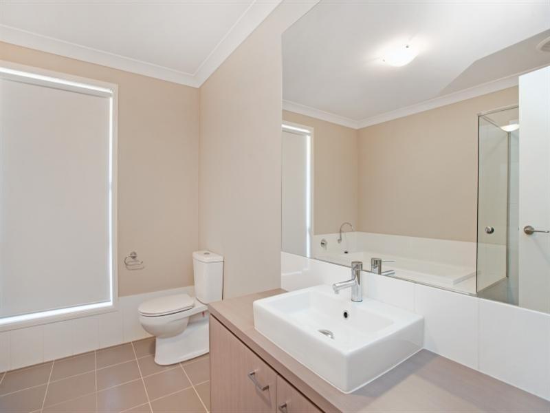 10 Dianella Way, Aberglasslyn NSW 2320