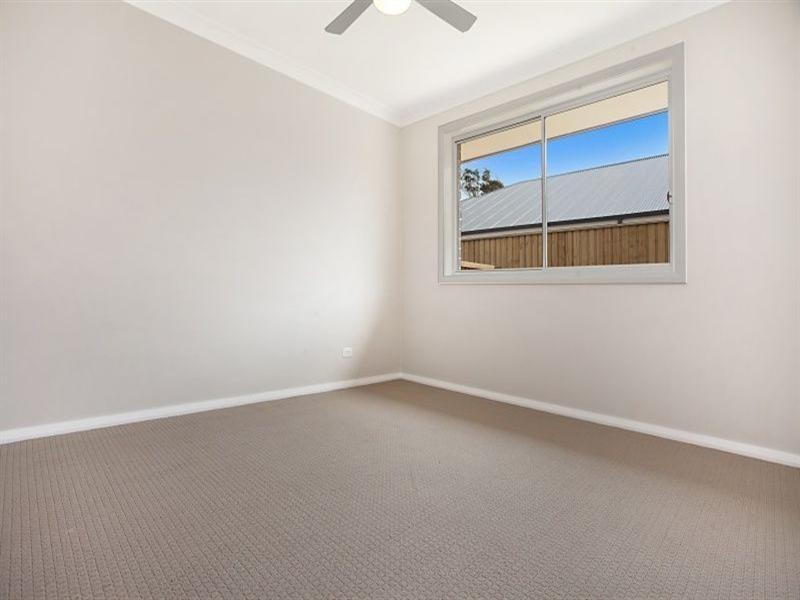 Unit 1/6 Honeysuckle Drive, Aberglasslyn NSW 2320