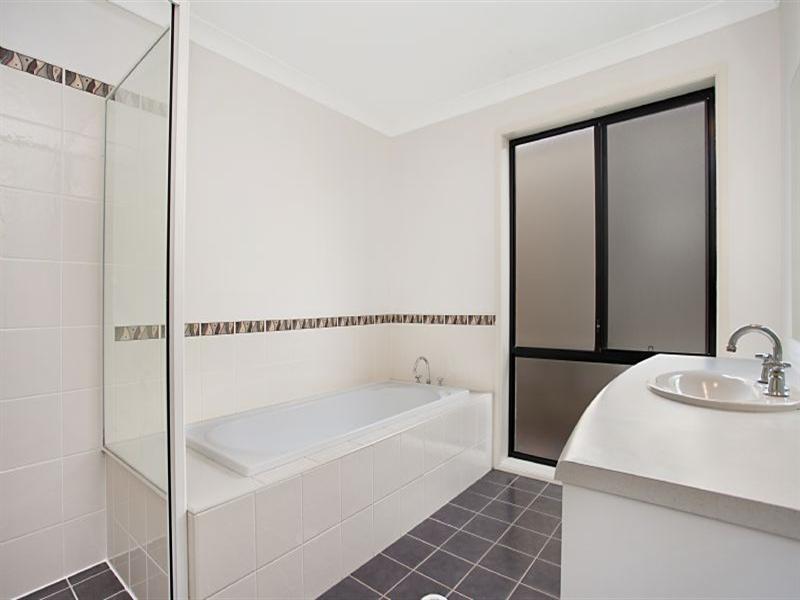 27 Pyalla Avenue, Aberglasslyn NSW 2320