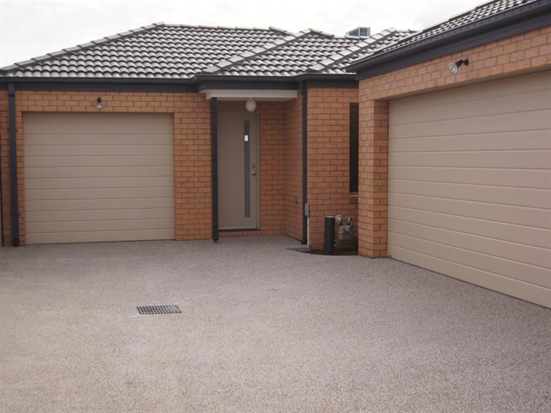 2/16 Plenty Court, Altona Meadows VIC 3028