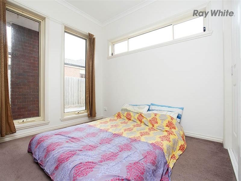 2/32 Harrow Place, Truganina VIC 3029