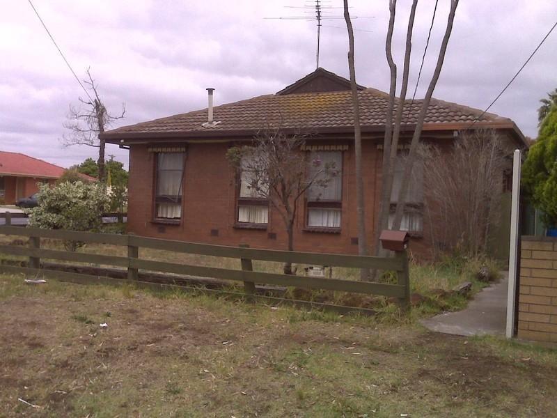 42 LINDEN Street, Altona Meadows VIC 3028