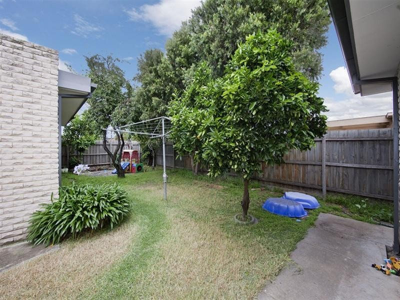 15 Powlett Street, Altona Meadows VIC 3028
