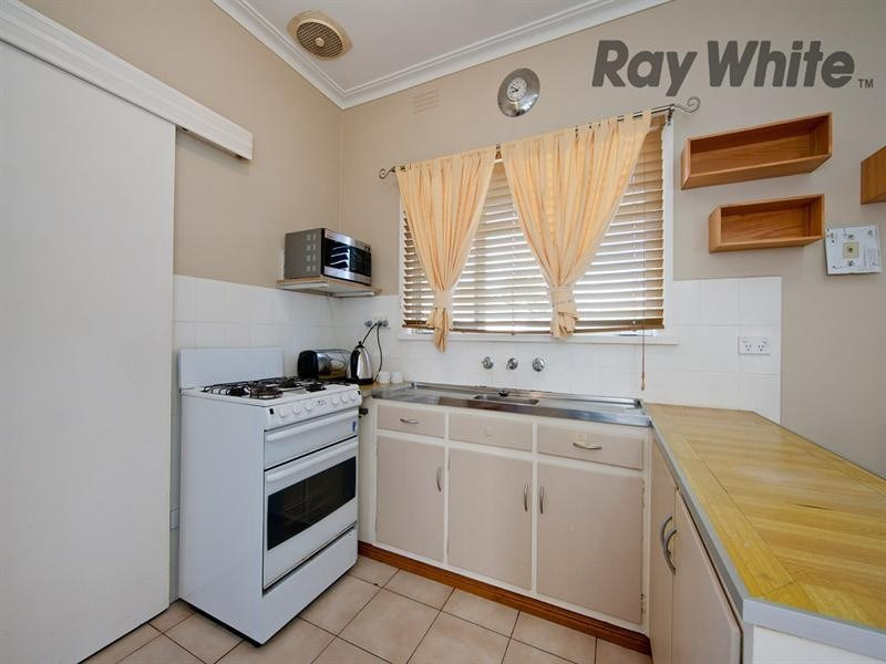 8 Ailsa Street, Laverton VIC 3028
