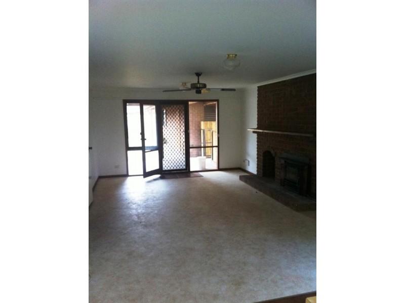 17 Crellin Avenue, Altona Meadows VIC 3028