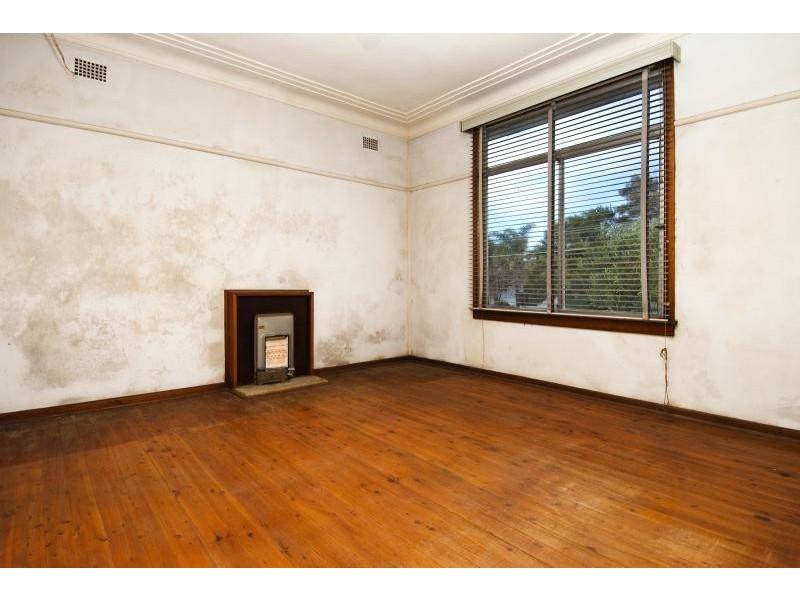 2 Nyan Street, Chifley NSW 2036