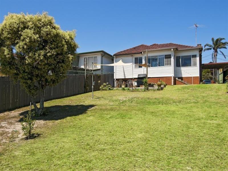 16 Carnegie Circuit, Chifley NSW 2036
