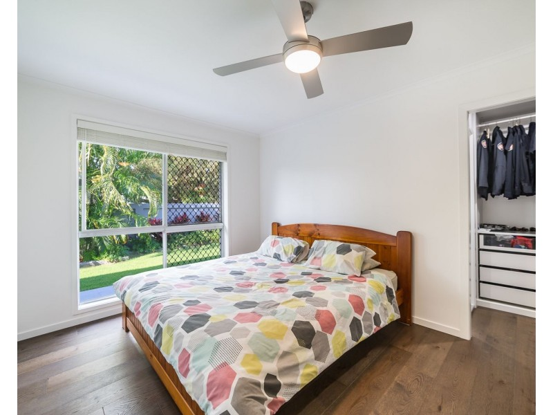 93 Allambi Avenue, Broadbeach Waters QLD 4218