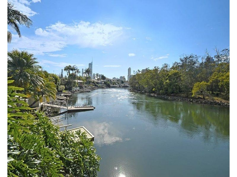 ** Savoy Drive, Broadbeach Waters QLD 4218